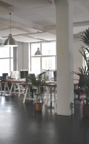 Sprzątanie powierzchni biurowych